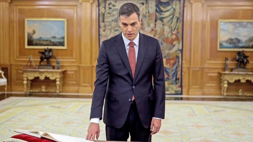 Spaniens neuer Ministerpräsident Pedro Sánchez bei der Amtseinführung am 2. Juni