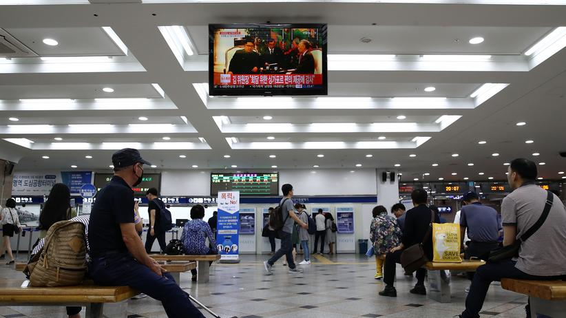 Südkorea: Dienstag in der Yeongdeungpo-Eisenbahnstation in Seoul