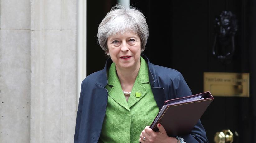 Brexit: Großbritanniens Premierministerin Theresa May in der Downing Street in London