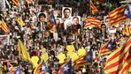 Zehntausende Separatisten demonstrieren in Barcelona