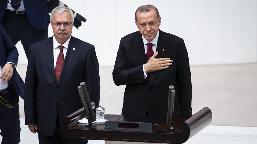 Türkei: Recep Tayyip Erdoğan legt Amtseid ab