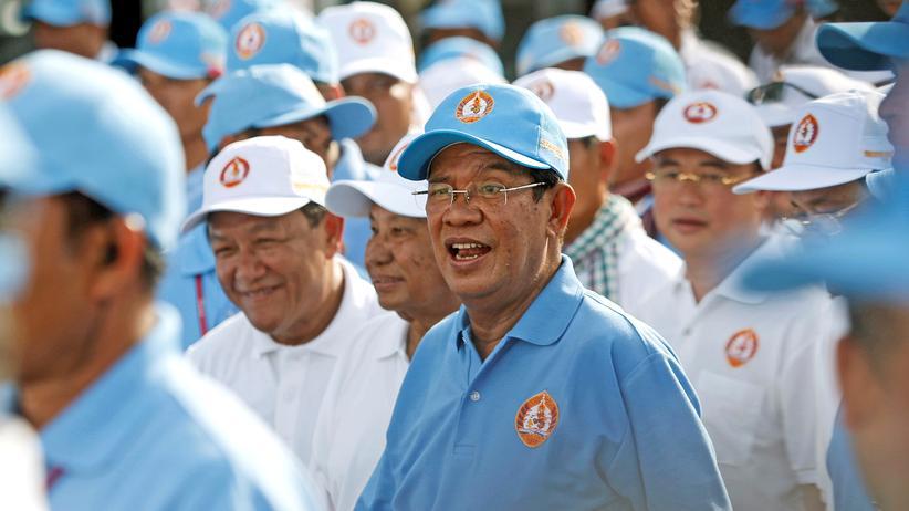 Kambodscha: Gott im Wahlkampf