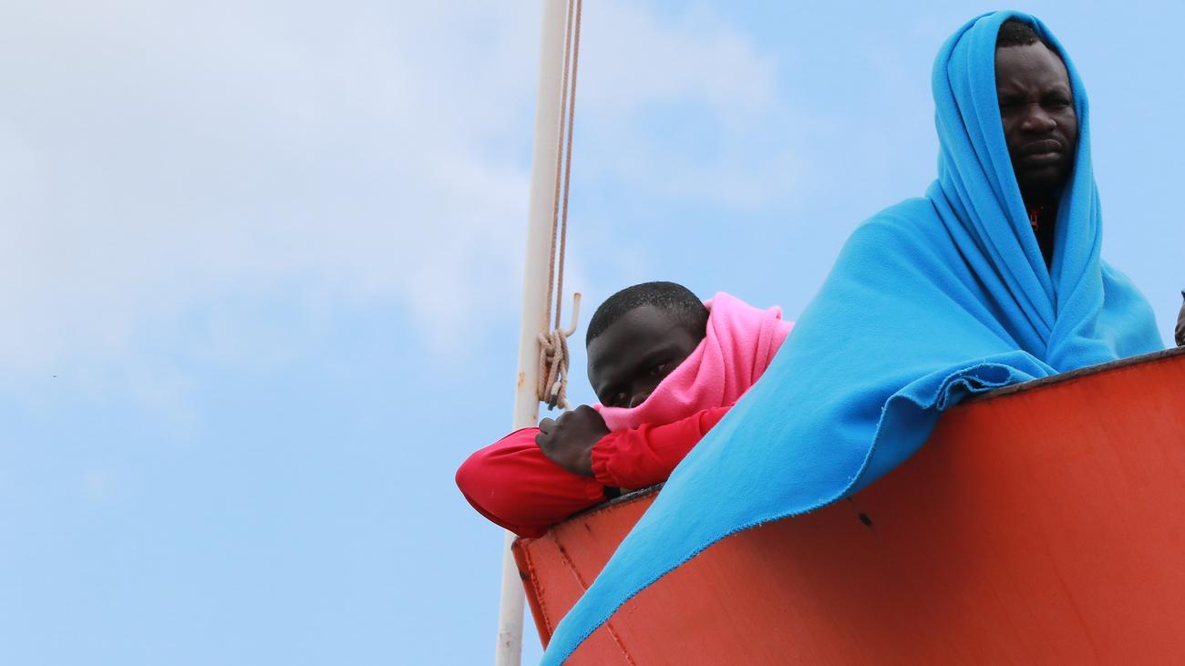 Seenotrettung im Mittelmeer: Italien will Häfen für EU-Einsätze schließen