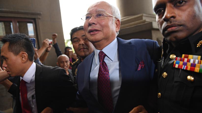 Najib Razak: Malaysias früherer Regierungschef angeklagt
