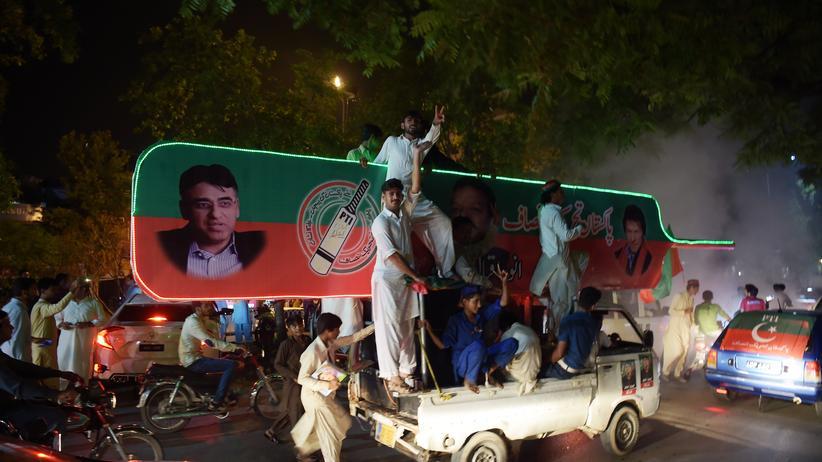 Pakistan: Regierungspartei will Wahlergebnisse nicht anerkennen