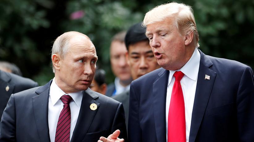 Russland: In Helsinki findet das erste offizielle Gipfeltreffen zwischen Trump und Putin statt, doch getroffen haben sie sich schon häufig – wie hier auf dem Apec-Gipfel in Vietnam 2017.