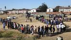 Wahl in Simbabwe weitgehend friedlich beendet