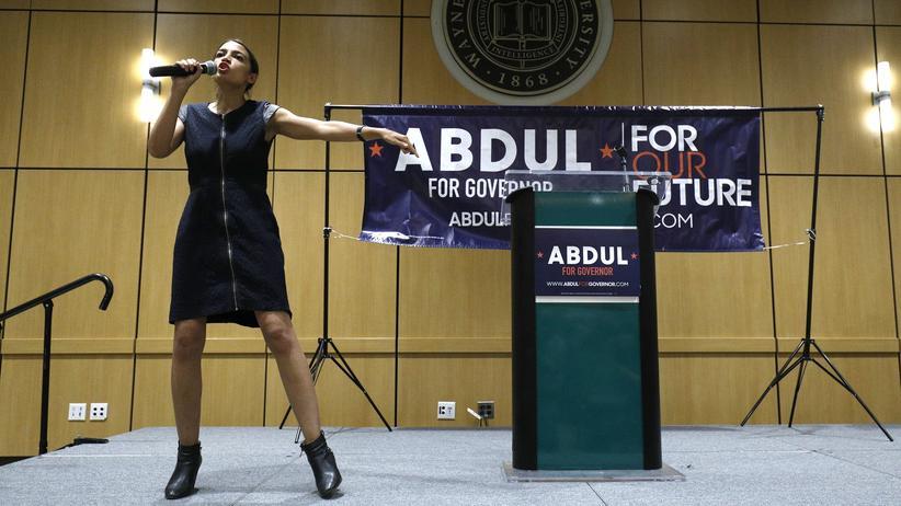 In Detroit: Alexandria Ocasio-Cortez macht Wahlkampf für Abdul El-Sayed, den linken demokratischen Kandidaten im US-Bundesstaat Michigan.