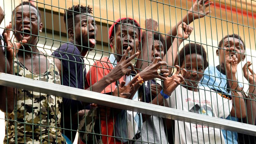 Spanien: Migranten aus Ceuta werden nach Marokko abgeschoben