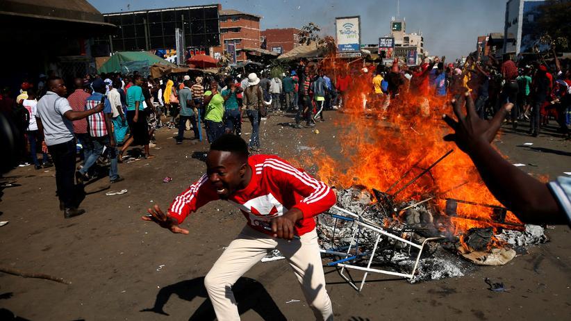 Simbabwe: Soldaten schießen auf Demonstranten