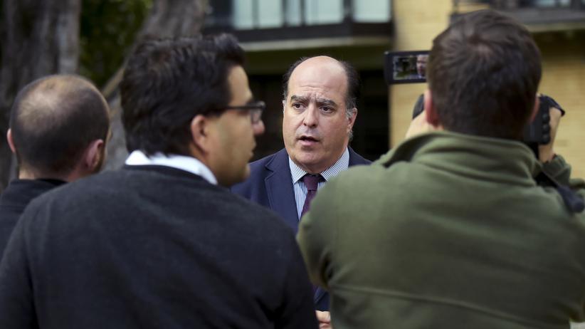 Venezuela: Oppositionspolitiker Julio Borges in Bogota