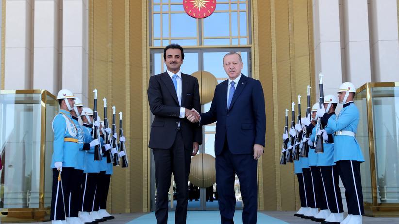 Währungskrise: Der Emir von Katar, Tamim bin Hamad Al Thani, zu Besuch in Ankara bei Recep Tayyip Erdoğan