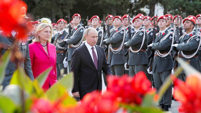 Wladimir Putin: Die Arbeitshochzeit von Karin Kneissl