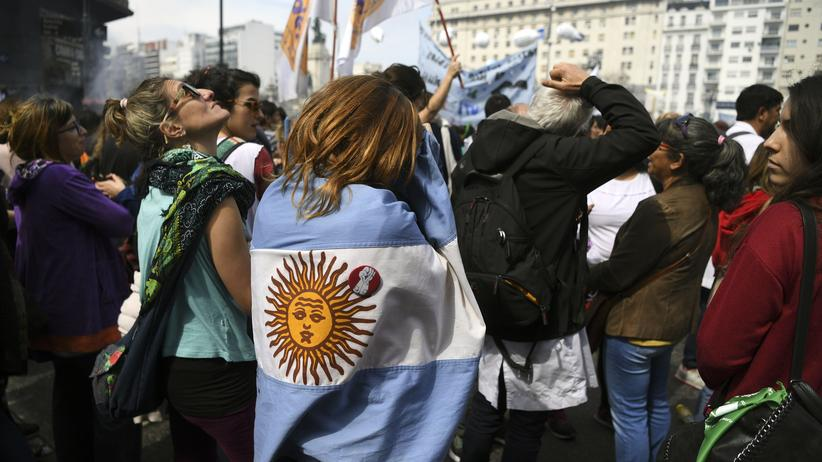 Argentinien: Bereits vor zwei Wochen demonstrierten Lehrerinnen und Lehrer in Buenos Aires gegen Kürzungen.