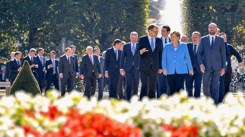 EU-Gipfel: Die Staatschefs der EU auf dem Weg zum Gruppenfoto