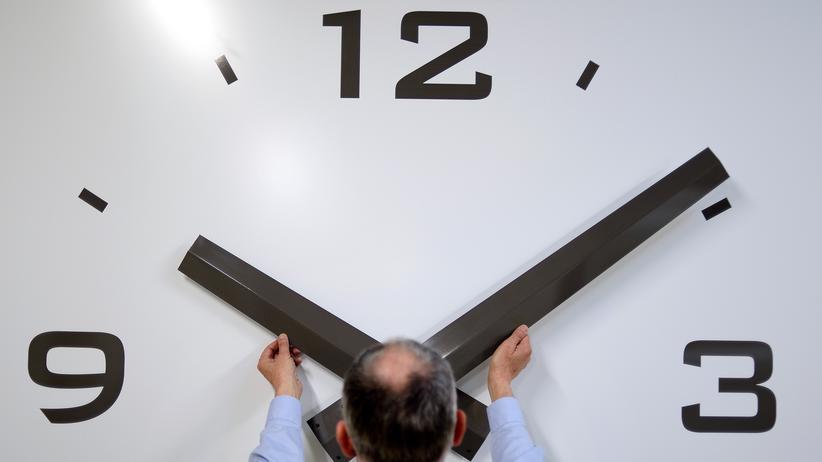 EU-Kommission: EU-Staaten sollen selbst über Zeitumstellung entscheiden