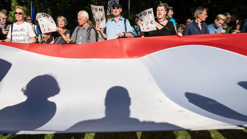 EU-Recht: Polen demonstrieren gegen die Justizreform.