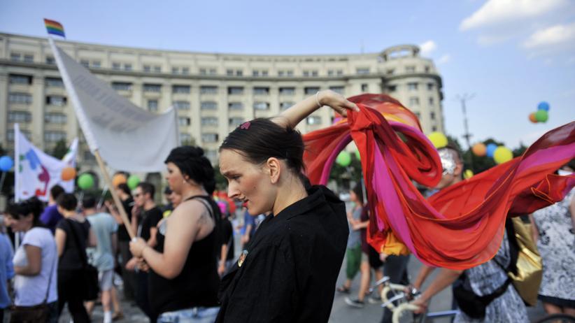 Rumänien: Verbot der Ehe für alle soll in die Verfassung