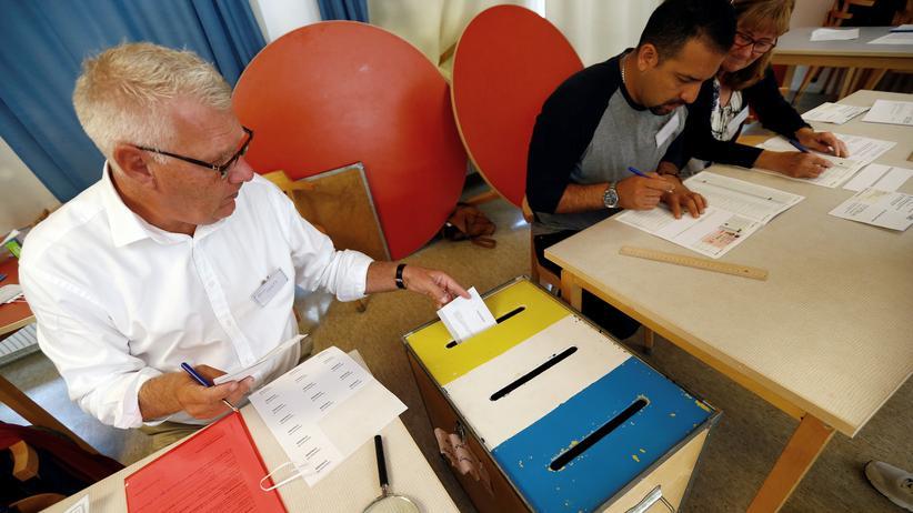 Parlamentswahl in Schweden: Schwedens Parlament rückt voraussichtlich nach rechts
