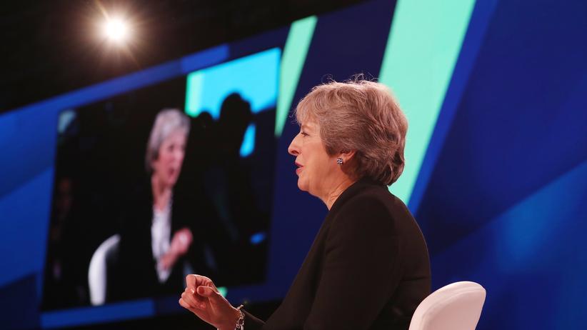 Großbritannien: Boris Johnson und Theresa May streiten vor Parteitag zum Brexit