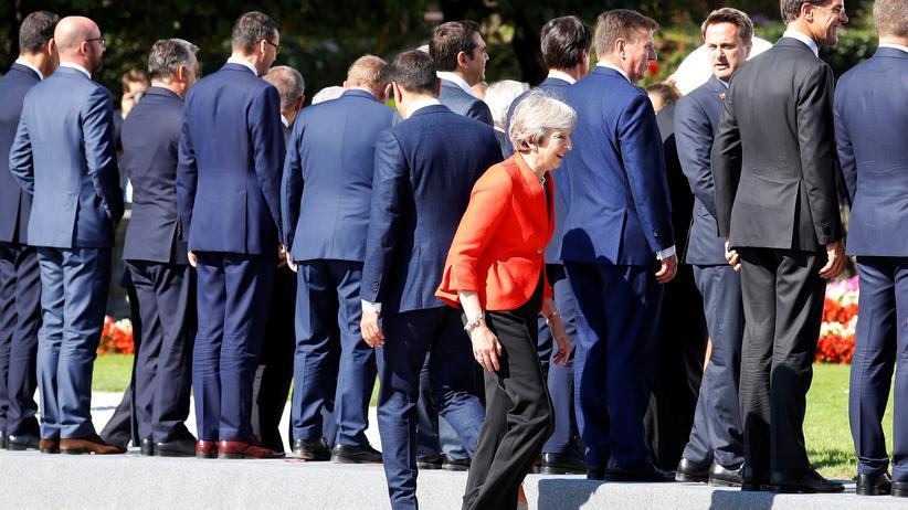 EU-Gipfel in Salzburg: Die britische Premierministerin Theresa May beim EU-Gipfel in Salzburg