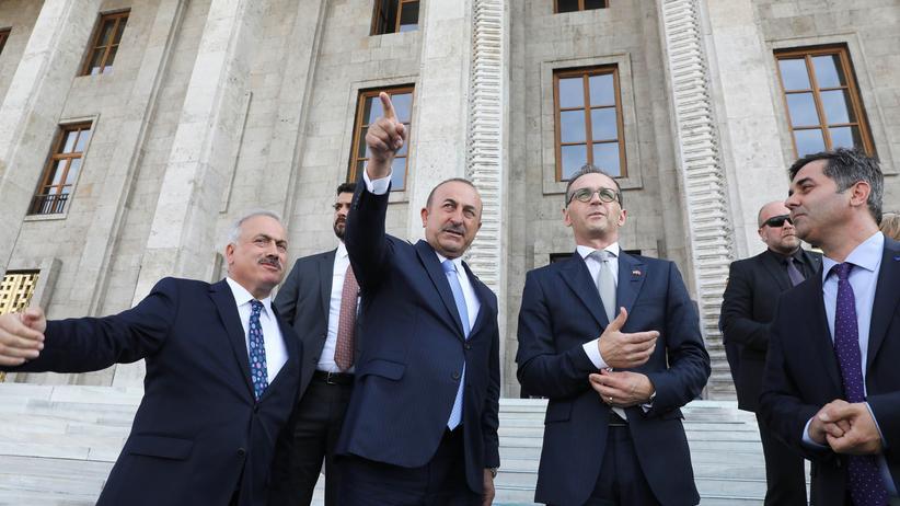Türkei und Deutschland: Mevlüt Çavuşoğlu fordert bedingungslose Normalisierung der Beziehungen