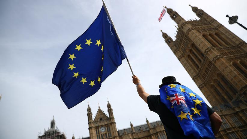 Brexit-Verhandlungen: Britisches Kabinett bestätigt Theresa Mays Kurs