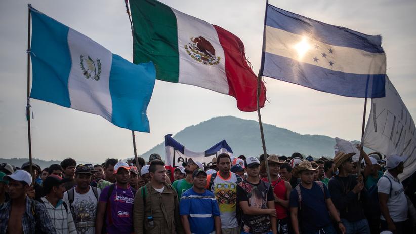 Mexiko: Migranten aus Mittelamerika setzen ihren Marsch fort