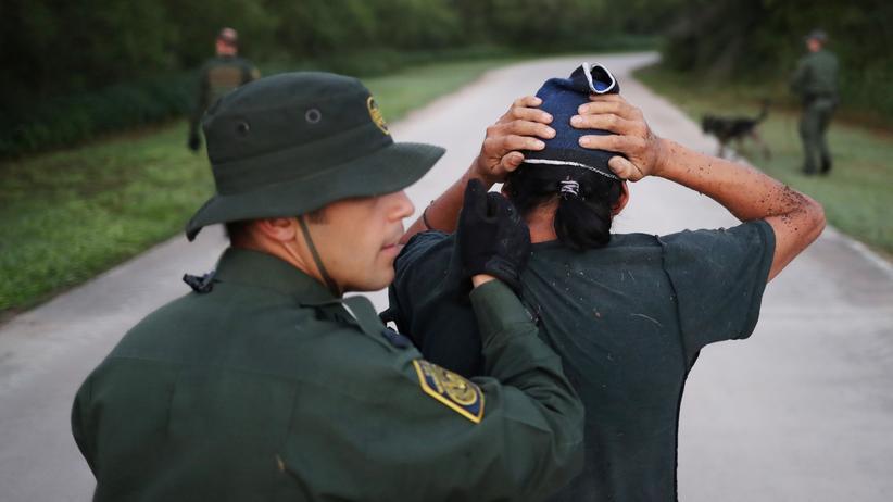 USA: Donald Trump droht mit Militäreinsatz an der Grenze zu Mexiko