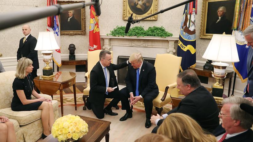 "Donald Trump: US-Präsident dementiert ""Deal"" für Brunsons Freilassung"