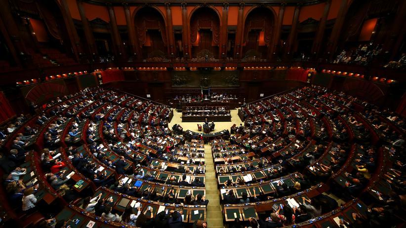 Italien: Parlament verabschiedet umstrittenen Haushalt