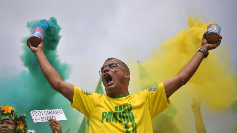 Brasilien: Rechtsradikaler Jair Bolsonaro polarisiert