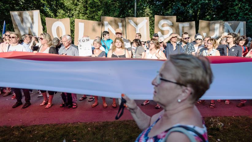 Polen: PiS laut Prognosen stärkste Kraft bei Regionalwahlen