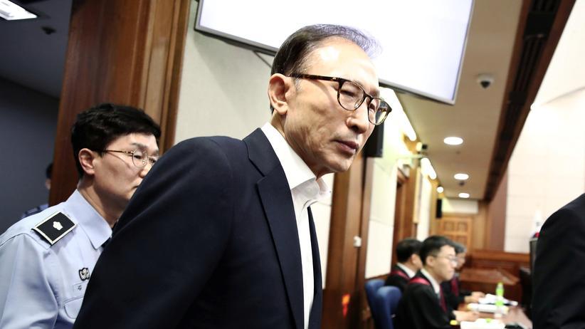 Südkorea: Lange Haftstrafe für Südkoreas Ex-Präsident Lee