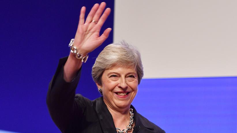 Brexit: Theresa May verspricht Ende der Sparpolitik