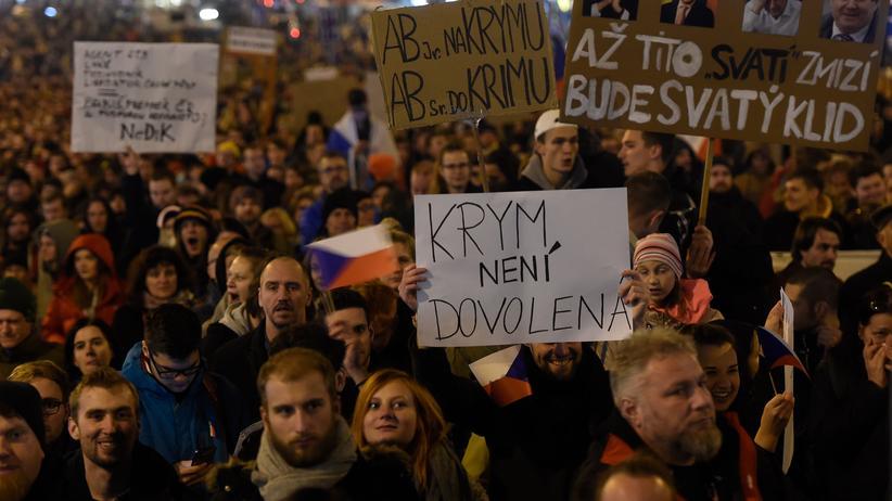 Tschechien: Demonstration von Regierungsgegnerinnen und -gegnern in Prag