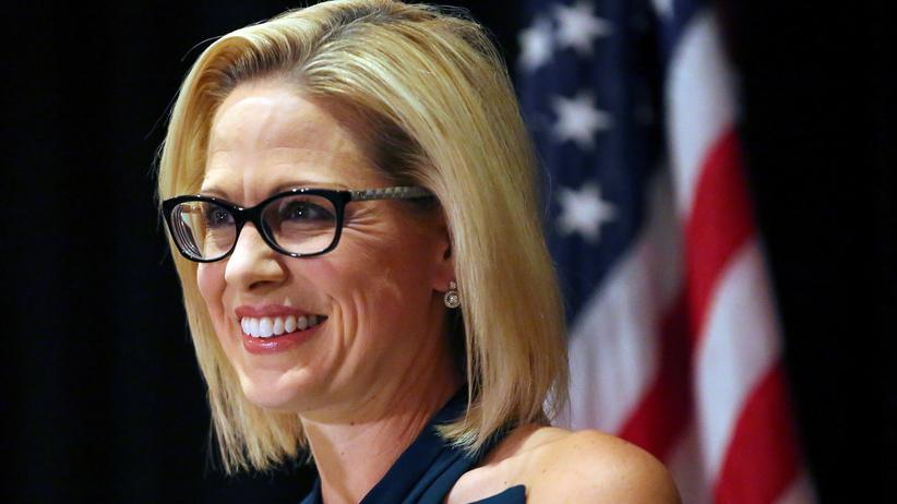 Zwischenwahlen: Demokratin holt historischen Sieg in Arizona