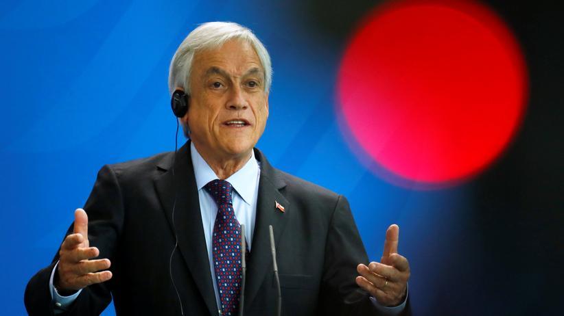 Sebastián Piñera: Chiles Präsident unterzeichnet Transgendergesetz