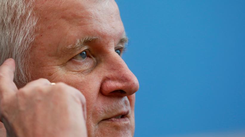 Verfassungsschutz: SPD mahnt Horst Seehofer zu rascher Entscheidung im Fall Maaßen
