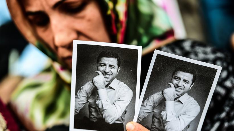 Türkei: Menschenrechtsgerichtshof fordert Freilassung von Selahattin Demirtaş