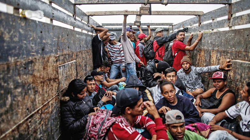 UN: Venezolaner werden aus einem sogenannten Binationalen Grenzservicezentrum (CEBAF) gebracht, das an der Grenze von Peru zu Ecuador liegt.
