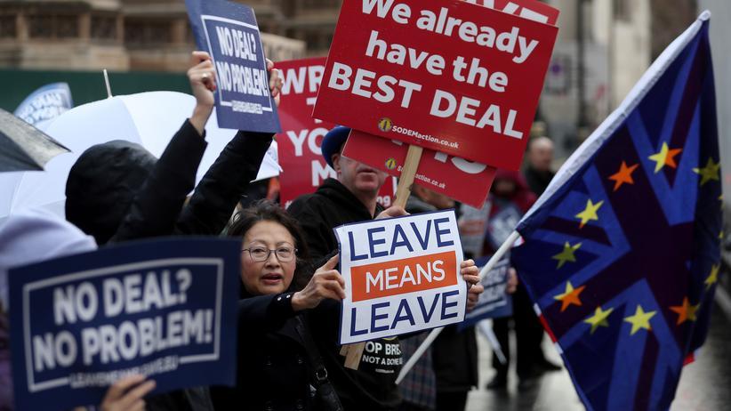 Brexit-Abkommen: Kurz vor der Abstimmung über das Brexit-Abkommen signalisieren einige Bürgerinnen und Bürger: Kein Deal sei auch kein Problem.