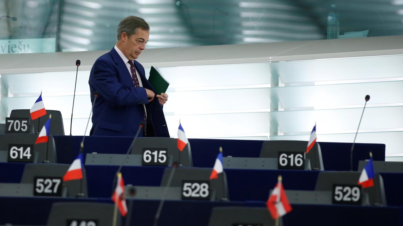 Großbritannien: Nigel Farage tritt aus Ukip aus