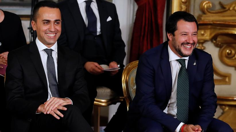 Sandro Gozi: Italiens Vizepremiers Luigi Di Maio (l., M5S) und Matteo Salvini (Lega) in Rom, Juni 2018