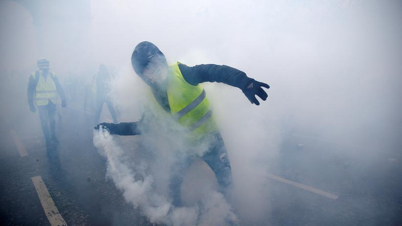 """Gelbwesten: Frankreichs Regierung plant """"starke Geste der Öffnung"""""""