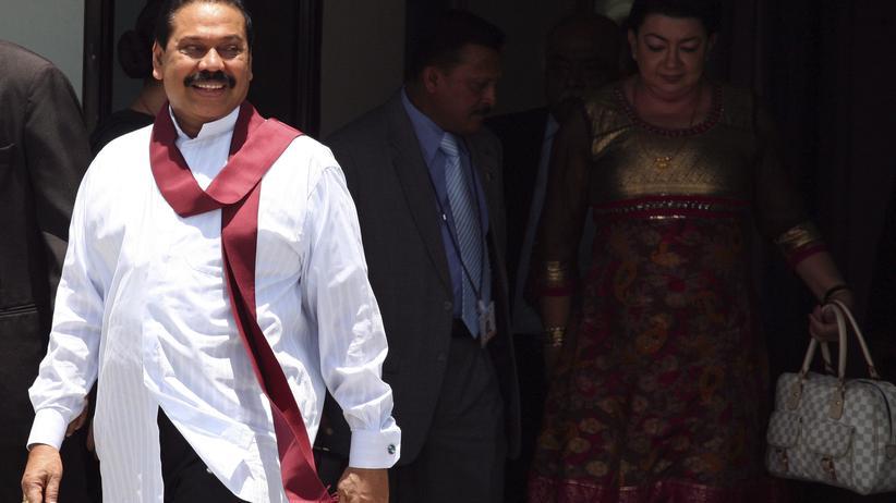 Mahinda Rajapaksa: Sri Lankas umstrittener Regierungschef tritt zurück