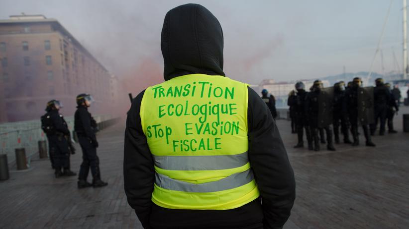Paris: Ein Aktivist der Protestbewegung der Gelben Westen in Marseille