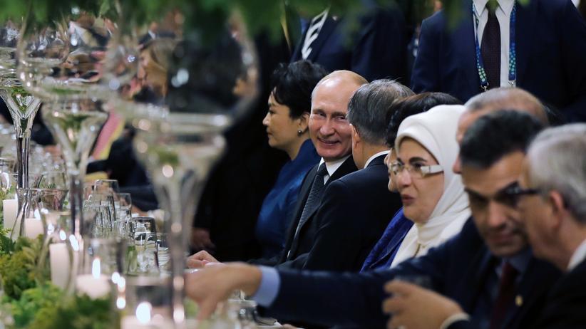 G20: Russlands Präsident Wladimir Putin beim G20-Dinner in Buenos Aires