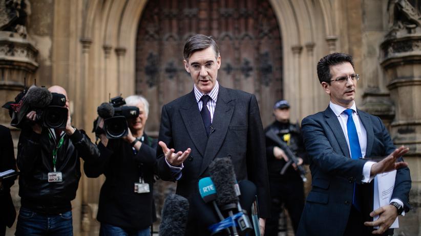Großbritannien:  Jacob Rees-Mogg hatte das Misstrauensvotum gegen Theresa May angestoßen.