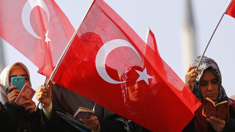 Türkei: Hunderte Haftbefehle gegen mutmaßliche Gülen-Anhänger ausgestellt